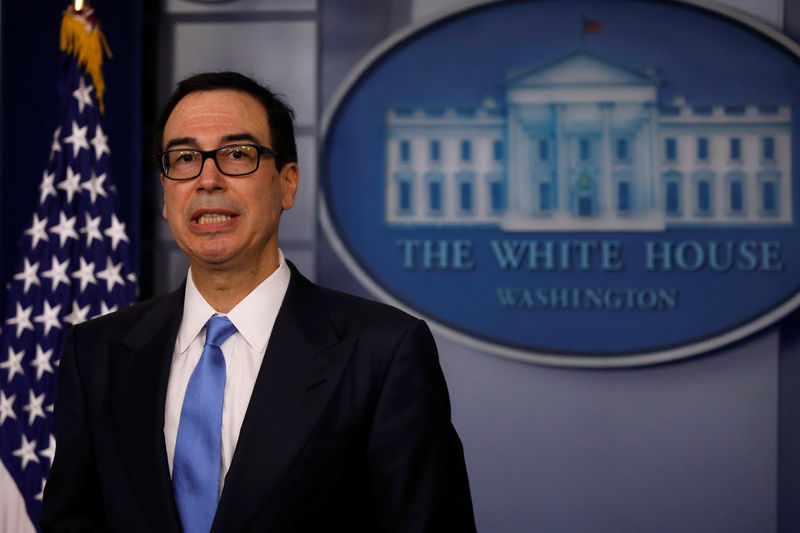 © Reuters. Treasury Secretary Steven Mnuchin answers question from reporters about the United States new sanctions on Iran at the White House in Washington D.C.