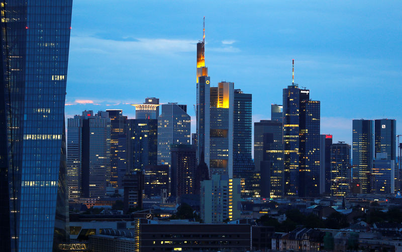 © Reuters. The skyline with its banking district is photographed in Frankfurt