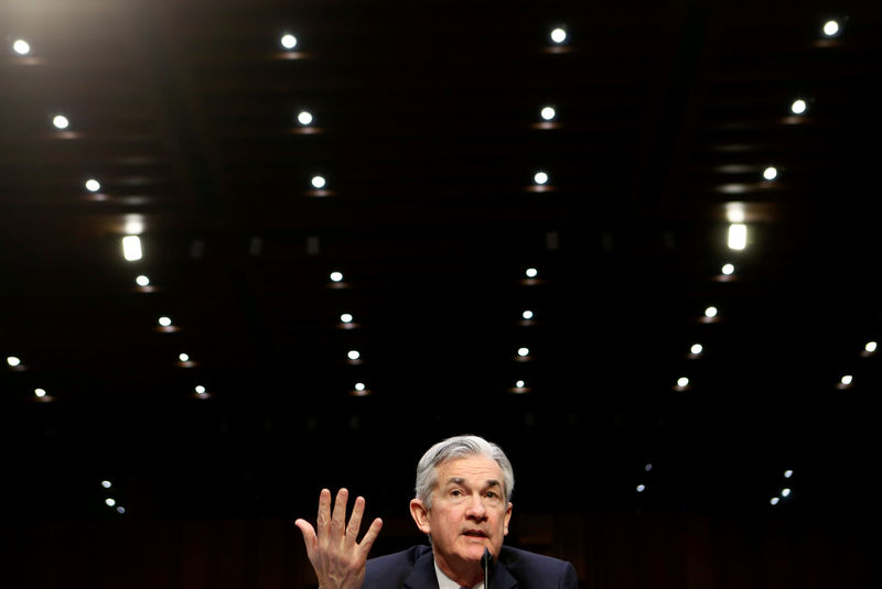 © Reuters.  Goldman Sachs Expects Fed to Cut Twice More in'Hall of Mirrors'