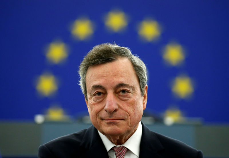 © Reuters.  Draghi's Divided ECB Leaves Markets Hoping for Government Action