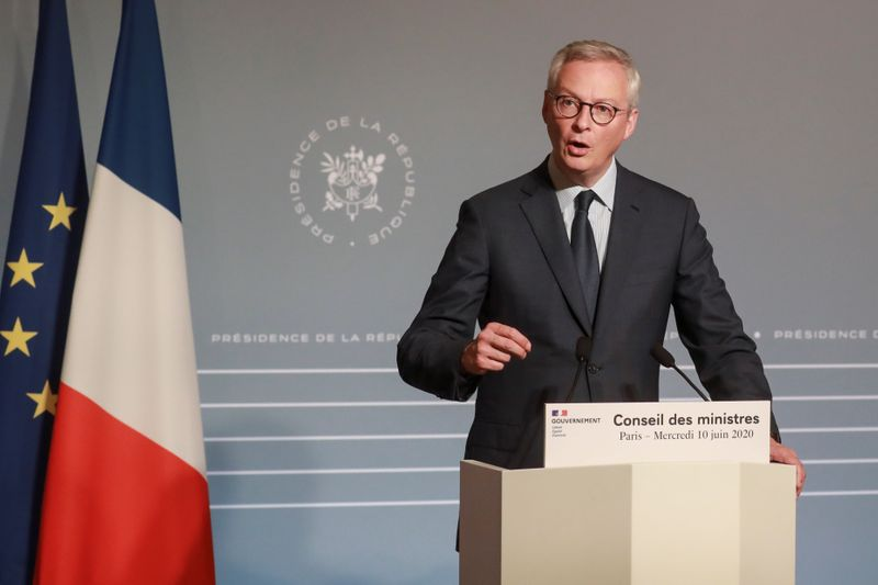 © Reuters. French Economy and Finance Minister Bruno Le Maire addresses a press conference after the weekly cabinet meeting in Paris