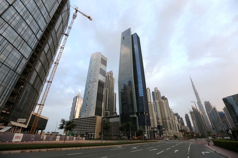 © Reuters. FILE PHOTO: General view of Business Bay area, after a curfew was imposed to prevent the spread of the coronavirus disease (COVID-19), in Dubai